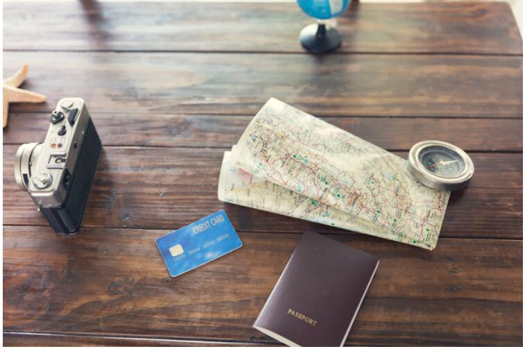 you should use credit cards on vacation